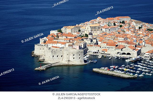 Croatia, Dalmatia, Dalmatian Coast, Dubrovnik, historical centre listed as World Heritage by UNESCO, harbour and city walls
