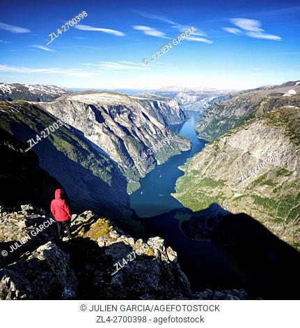 Norway, Sogn og Fjordane, Aurland, Sognefjord, Naeroyfjord, listed as World Heritage by UNESCO, view from the summit of Bakkanosi (1400m), Model Released