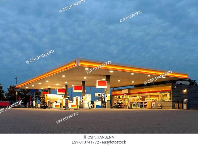 Gasoline price sign euro Stock Photos and Images | age fotostock