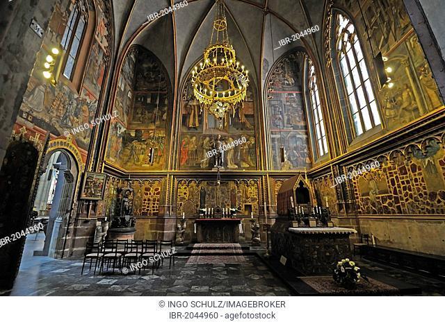 Side chapel, Gothic St. Vitus Cathedral, Prague Castle, Castle District, Hradcany, Prague, Bohemia, Czech Republic, Europe