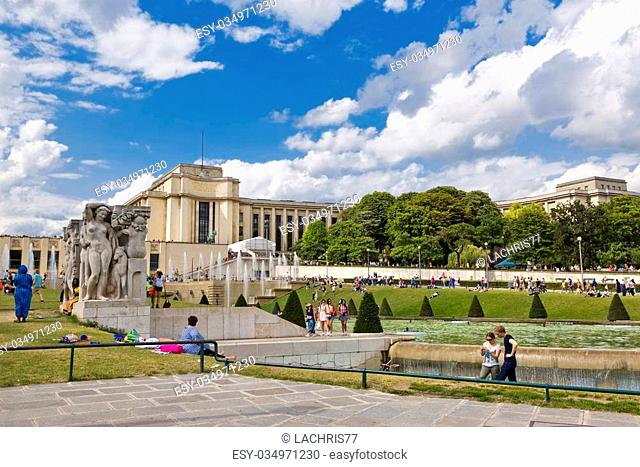 The fountains of the Trocadero in front of the Palais de Chaillot, Paris, France