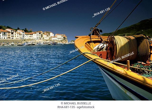 The harbour, Port Vendres, Languedoc Roussillon, France, Europe