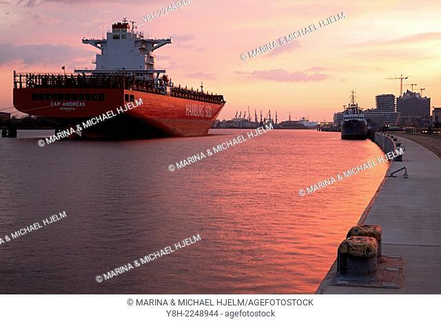 Containership Hamburg; Germany