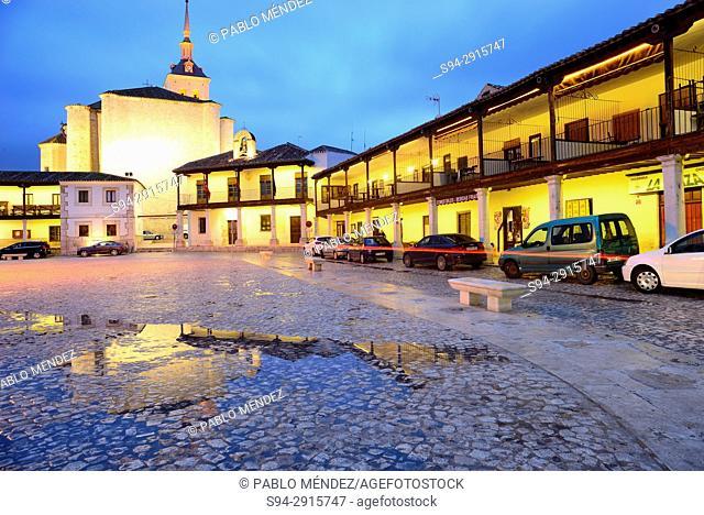 Main square with Santa Maria la Mayor church, Colmenar de Oreja, Madrid, Spain