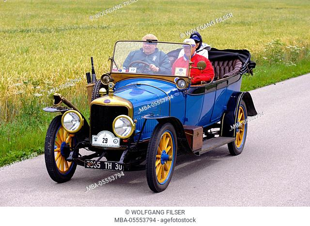 Old-timer rally 'Herkomer contention' in Landsberg in Lech for at least 80 year-old cars, here close Delage B1 Tourer, year of manufacture in 1915