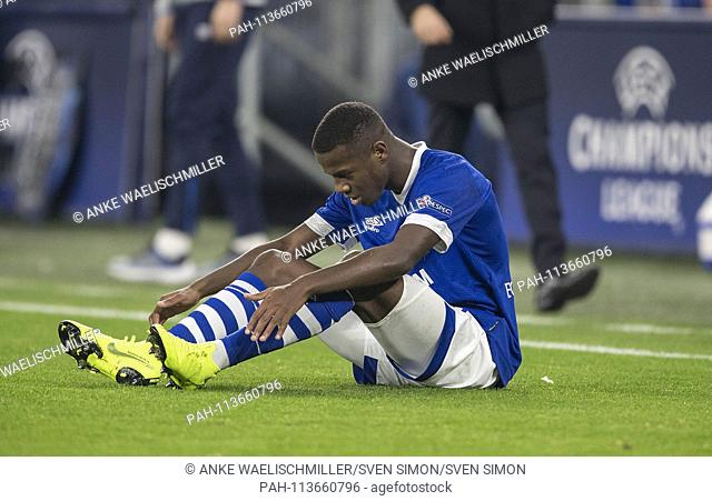 Hamza MENDYL (GE) injured, Injury, Football Champions League, Preliminary Round, 6th matchday, FC Schalke 04 (GE) - Lokomotiv Moscow (Lok)