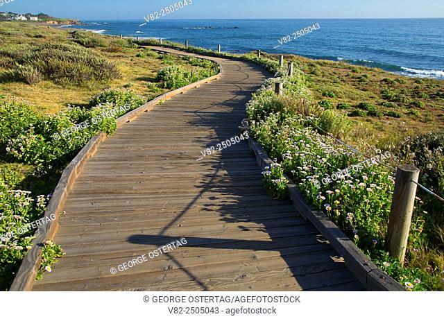 Moonstone Boardwalk, Hearst San Simeon State Park, California