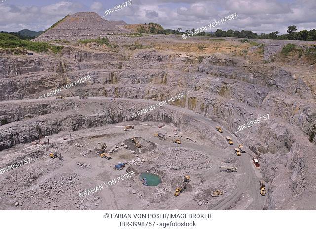 Koidu 1 diamond mine, part of diamond company Koidu Ltd., Koidu Kimberlite Project, Koidu, Koidu-Sefadu, Tankoro Chiefdom, Kono District, Eastern Province