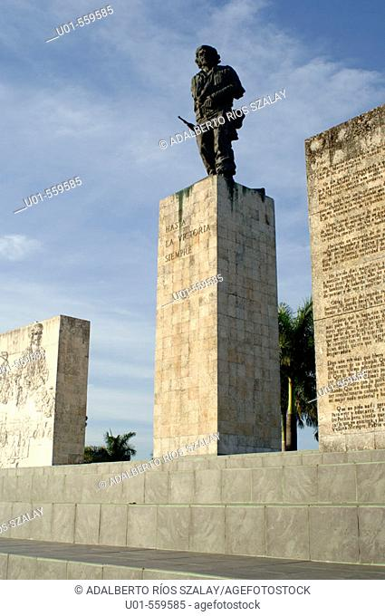 Complejo Escultórico Memorial Comandante Ernesto Che Guevara (sculptor: José de Lázaro Bencomo). Santa Clara, Cuba