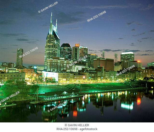City skyline and Cumberland river at dusk, Riverfront Park, Nashville, Tennessee, United States of America, North America