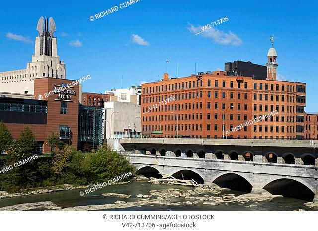 Main Street Bridge & Genesee River, Rochester, New York State, USA