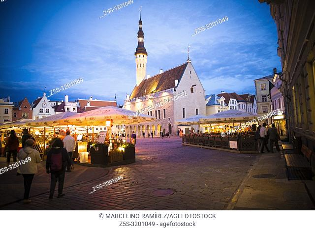 Tallinn Old City, Town hall square at nightfall. Tallinn, Harju County, Estonia, Baltic states, Europe