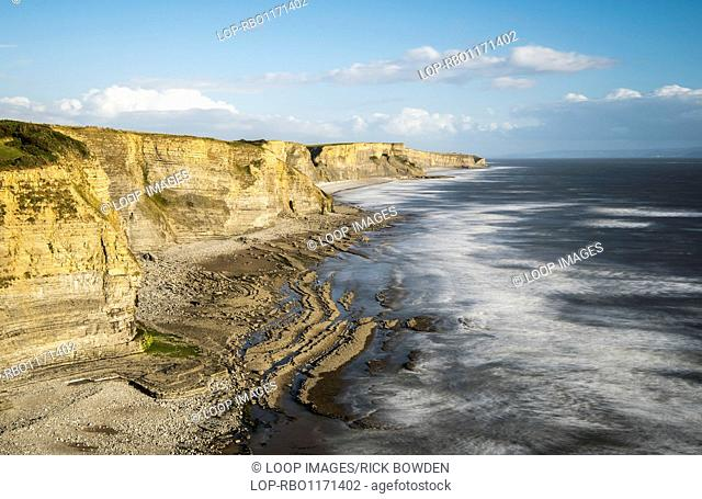 The cliffs at Dunraven Bay