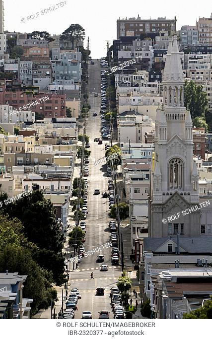 Filbert Street in the North Beach neighbourhood, view towards the west, Saints Peter and Paul Church, right, opposite Washington Square, San Francisco
