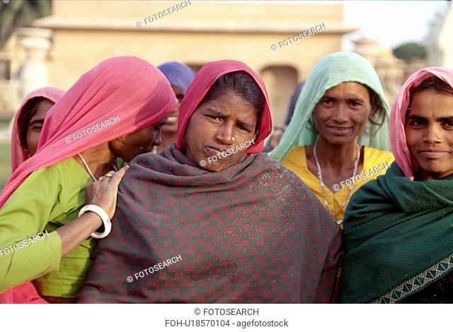Portrait of Rajastani women in colourful saris