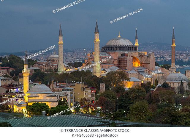 The Hagia Sophia Museum illuminated at dusk in Sultanahmet, Istanbul, Turkey, Eurasia