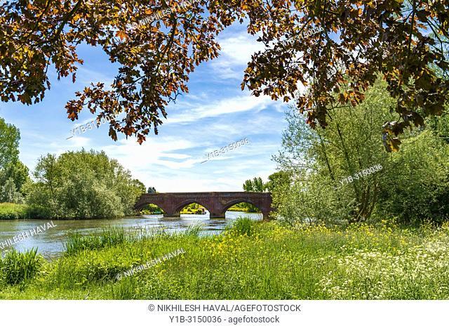 Clifton Hampden Bridge over Thames, Oxfordshire, UK