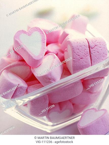 Sweets in the form of hearts in a glass bowl. - 09/07/2005
