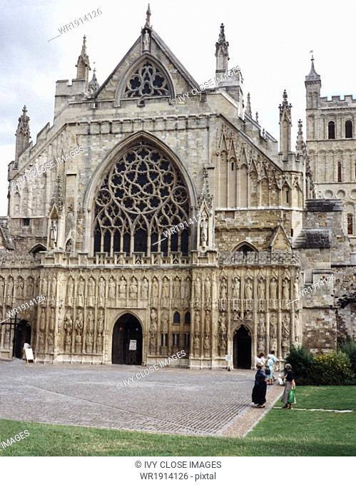 Exeter Cathedral dates to A.D. 1050 and became the seat of the bishop of Devon and Cornwall. Within is the magnificent oak throne of the bishops
