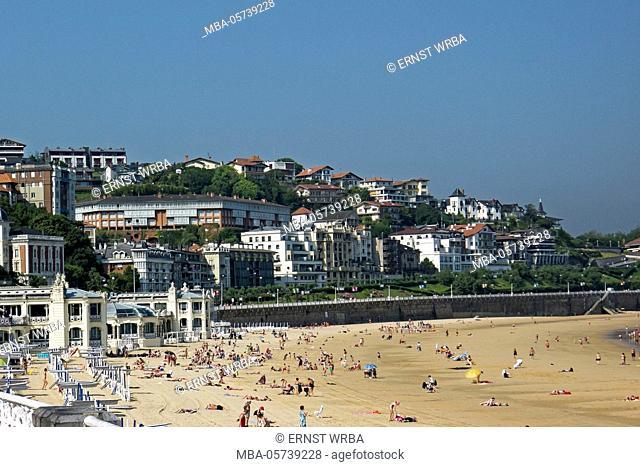 Town beach Playa de la Concha, Donostia-San Sebastián, Gipuzkoa, the Basque Provinces, Spain