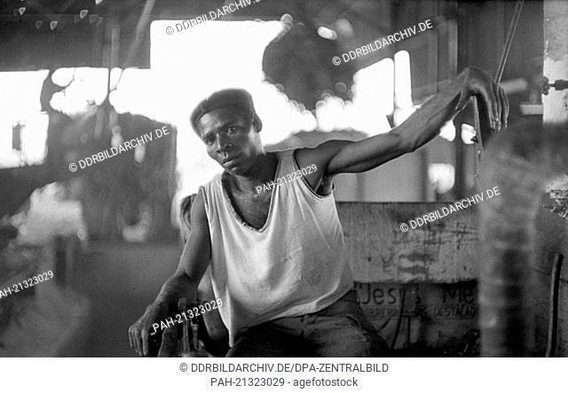 """Worker in a sugar factory in Cienfuegos on the 22nd of November in 1972. With the help of socialist """"""""brother nations"""""""" like the GDR, USSR and Czechosloviaki"""
