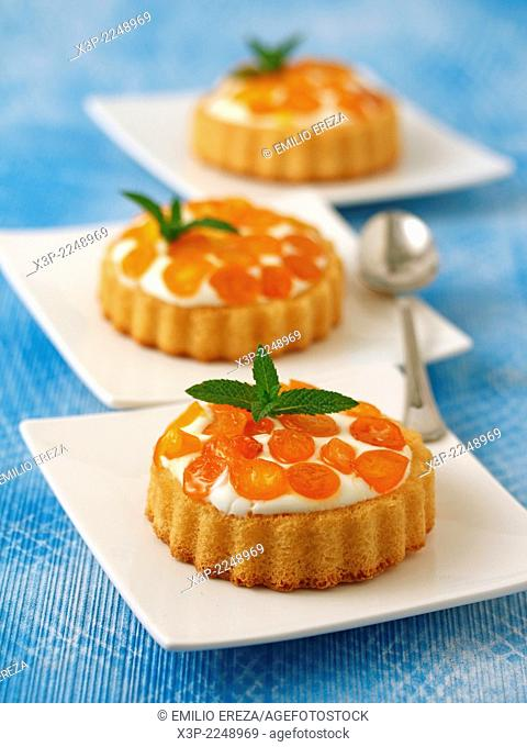 Tartlets with cheese and kumquats