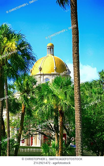 The First Baptist Church of Tampa building with gilded dome in Tampa FL, USA