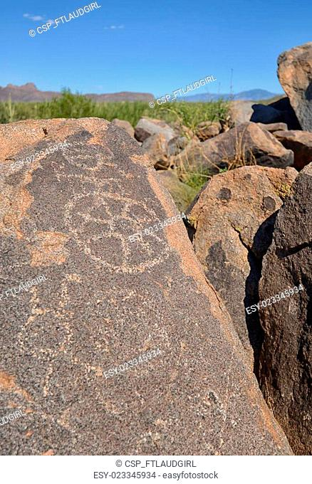 prehistoric petroglyphs in arizona