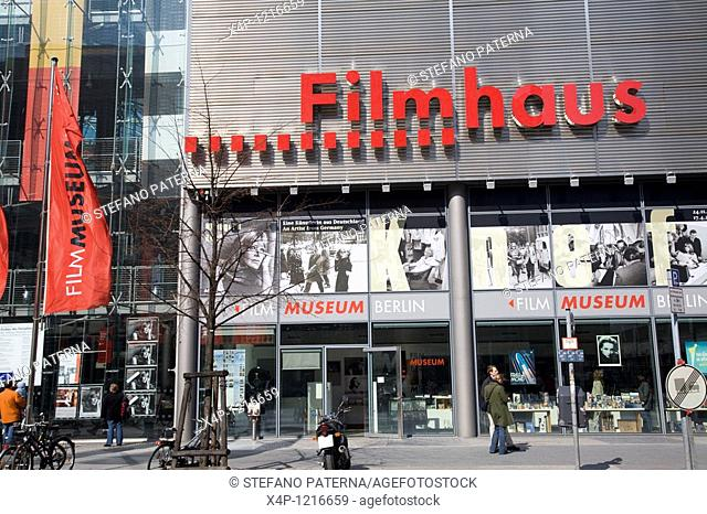 The Filmhaus features the Film Museum, a film school, the Arsenal cinemas, a library, a museum shop and the Billy Wilder bistro on the street level, Berlin