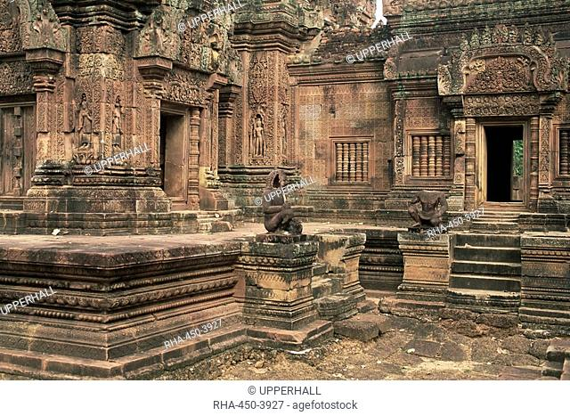 Inner enclosure of Bante Srei Banteay Srei Temple, dating from the 10th century, Angkor, UNESCO World Heritage Site, Cambodia, Indochina, Southeast Asia, Asia