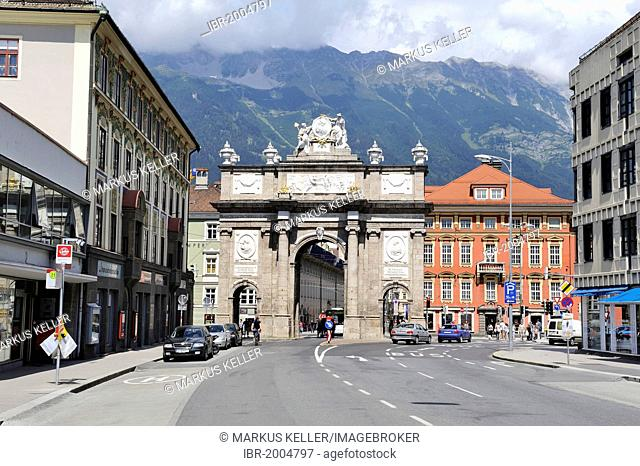 Triumphpforte triumphal gate, built in 1756, historic district of Innsbruck, Tyrol, Austria, Europe