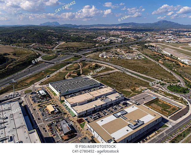 C-58 Highway and Commercial Center in Sabadell, Barcelona