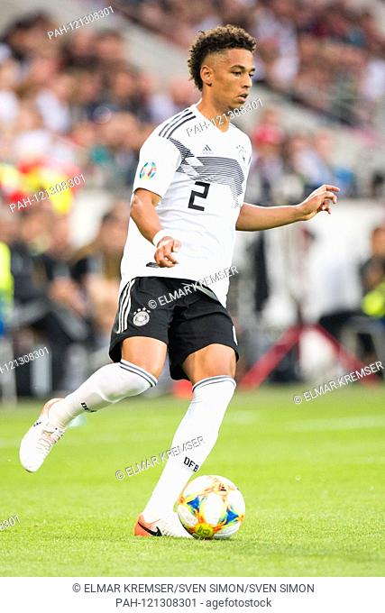Thilo KEHRER (GER) with Ball, individual action with ball, action, full figure, upright, football Laenderpiel, European Championship Qualification