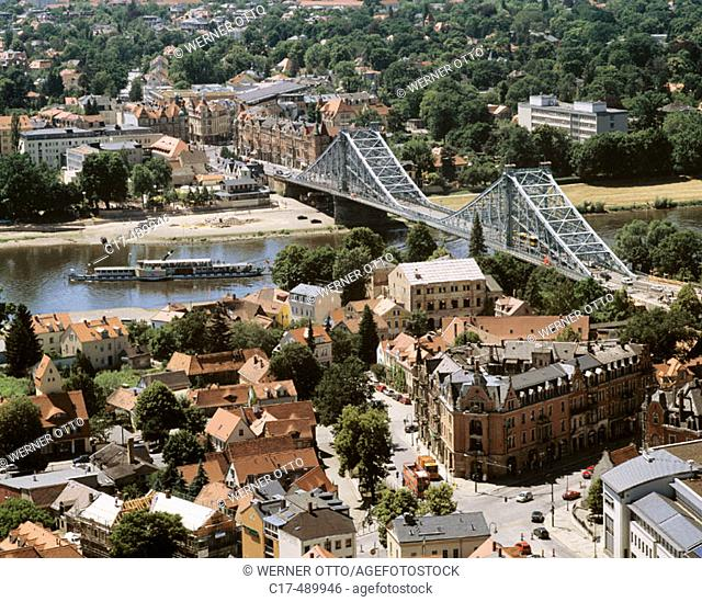 The Elbe bridge 'Blaues Wunder' in Dresden was built between 1891 and 1893 and connects the Dresden districts Loschwitz in the foreground and Blasewitz