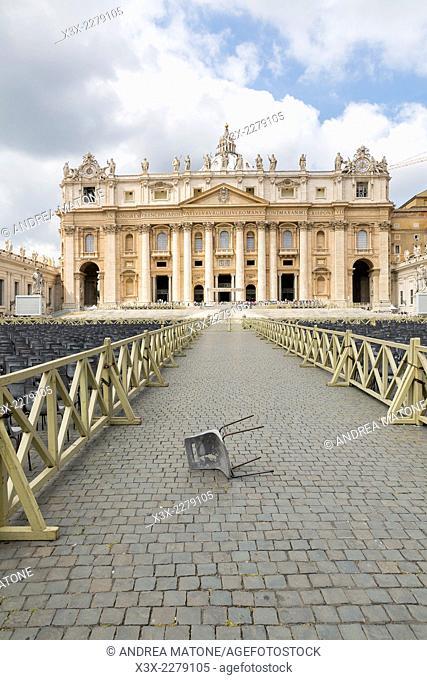 Saint Peter's square. Rome, Italy