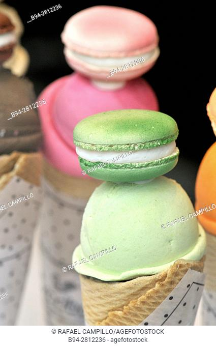 Food. Macarons with ice cream. Escriba cake shop. La Rambla, Barcelona, Catalonia, Spain