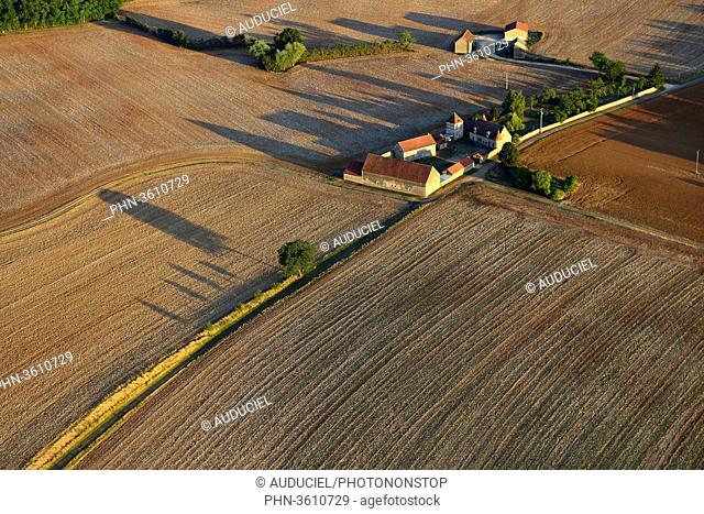 Europe, France, fields and farm in Burgundy near Donzy in the Nievre