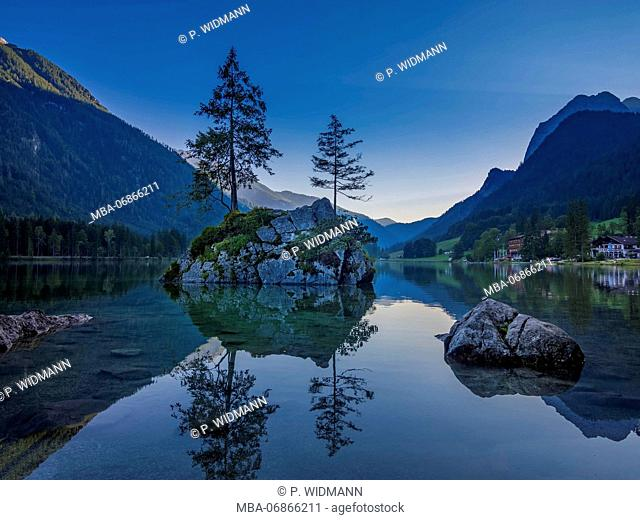 View of Hintersee (lake) near Ramsau, Berchtesgaden National Park, Bavaria, Upper Bavaria, Germany, Europe
