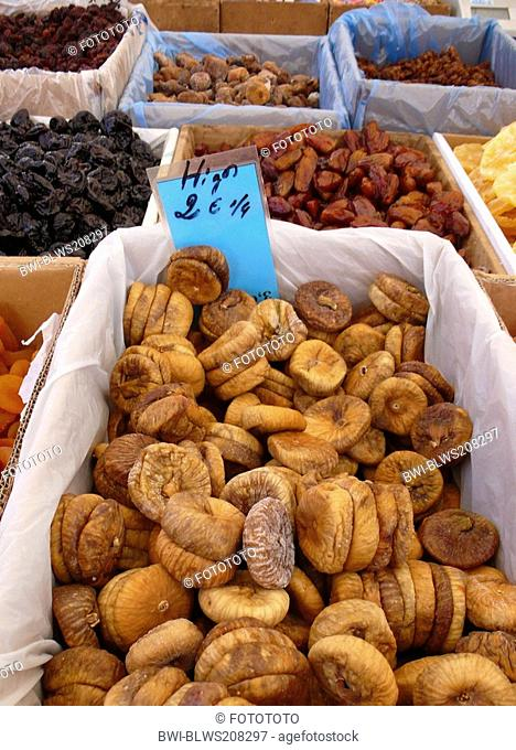 edible fig, common fig Ficus carica, dried figs at a weekly market, Spain, Balearen, Majorca, Alcudia