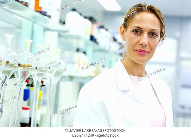 Researcher. Elimination of interference with resin to treat sea water and heavy metals analysis, Laboratory, Research on building materials