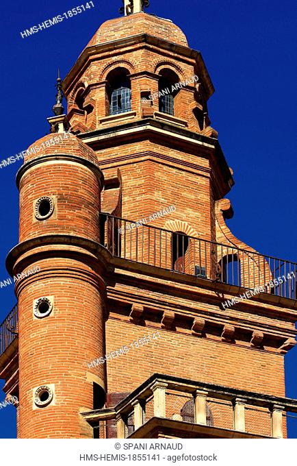 France, Haute Garonne, Toulouse, Hotel Assezat, vertical view of the tower of the mansion
