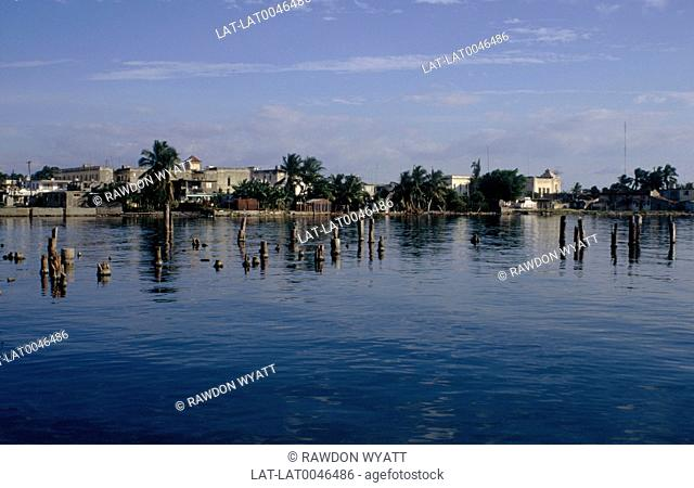 Cienfuegos Bay was one of the first to be discovered by Christopher Columbus,and was a shipping and trading hub in the sixteenth and seventeenth centuries