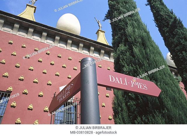 Spain, Katalonien, Figueres,  Salvador Dali Museum, detail,  Signposts,  Europe, Iberian peninsula, city, sight, landmarks, culture, museum buildings, facade