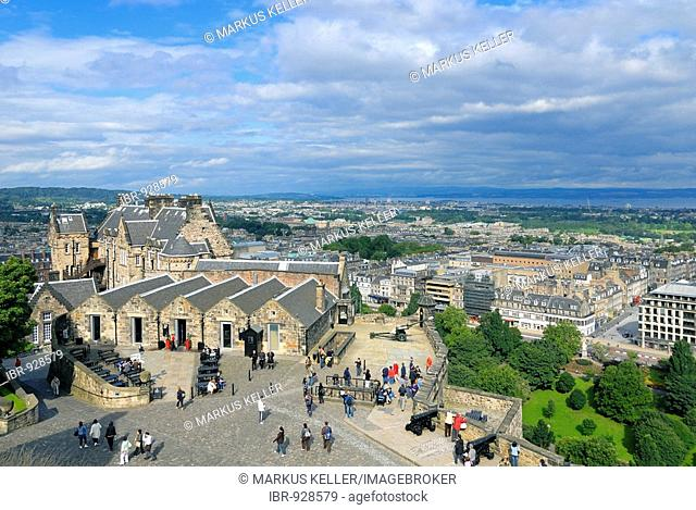View of Edinburgh Castle and the city, Scotland, Great Britain, Europe