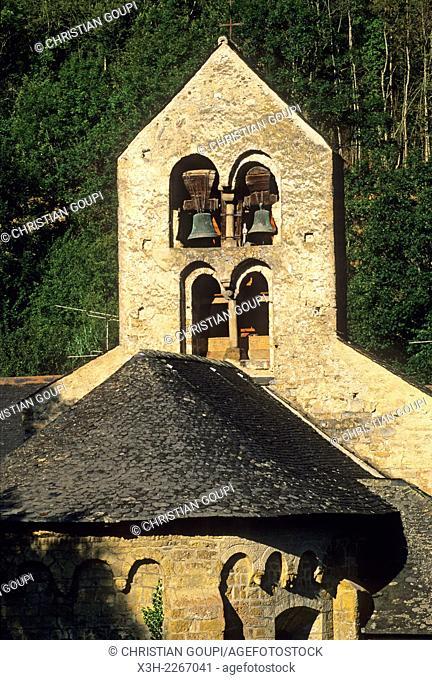 Romanesque Saint-Pierre-d'Ourjout church at Bordes-sur-Lez, village in Couserans province, Ariege department, Midi-Pyrenees region, France, Europe