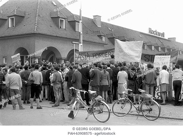 Students support striking workers of the metal company Rockwell in Munich on 29 May 1968 successfully. The immediate dismissal of the chairman of the works...