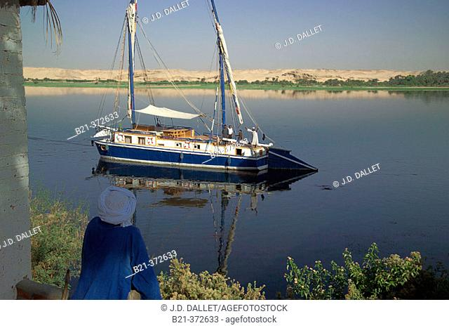 Egypt. Sailing on the Nile River near El Kab