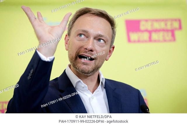 The leading candidate for the parliamentary elections of the FDP, Christian Lindner introduces a cornerstone paper regarding refugees
