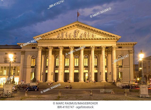 Bavarian National Theater, State Opera, dusk, Max-Joseph-Platz, Munich, Bavaria, Germany
