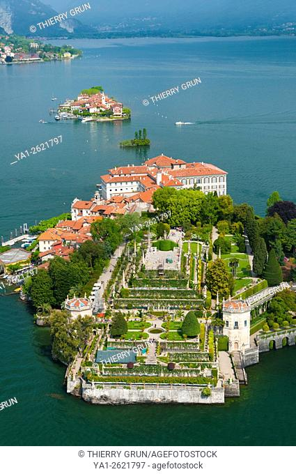 Italy, Piedmont, Maggiore lake, Isola Bella and Isola Superiore islands (aerial view)